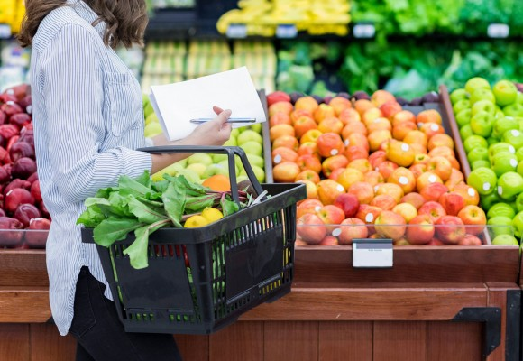 Insider's tips for choosing the freshest fruits (no squishing!)